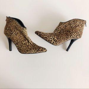 Carlos Santana Leopard Ankle Bootie Size 6.5